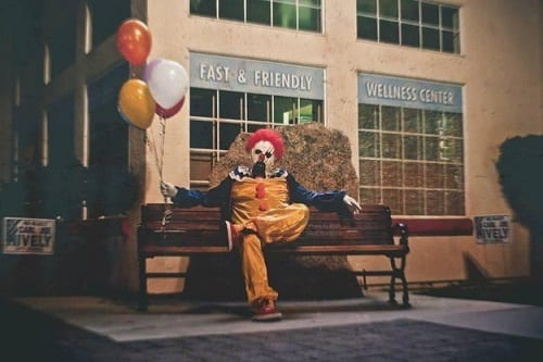 Creepy clowns love good Instagram pics.
